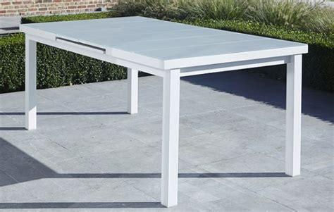 table de jardin blanche en aluminium et verre avec rallonge