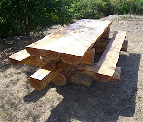 Ces Tables Sont Réalisées En Mélèze Coupé Dans Le Haut