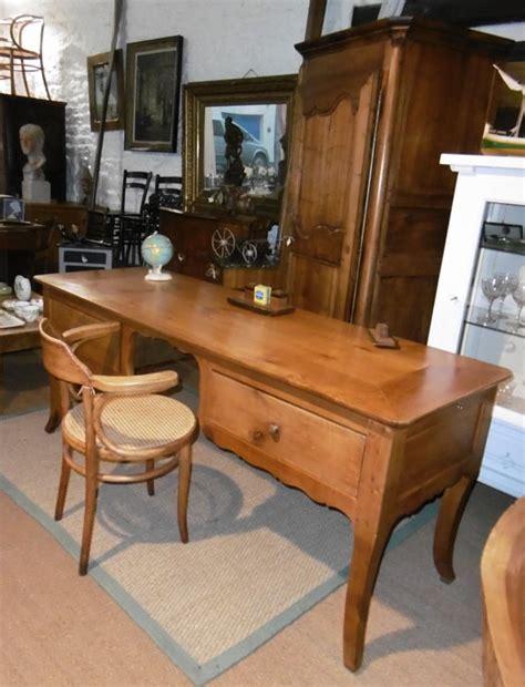bureau louis philippe merisier très beau bureau ancien louis philippe en merisier