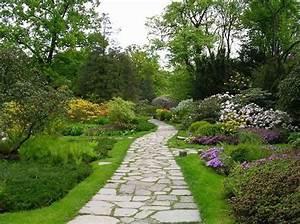Allées De Jardin : une all e de jardin en pierres elle d coration ~ Dode.kayakingforconservation.com Idées de Décoration