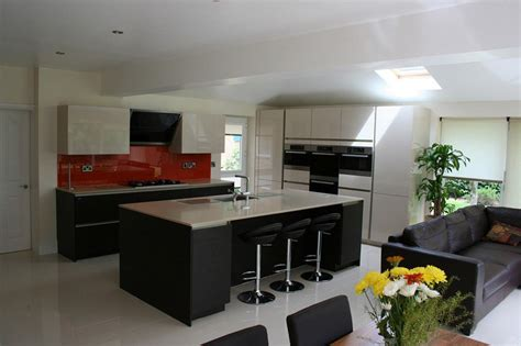 canapé d angle semi cuir cuisine ouverte sur salon en 55 idées 39 39 open space 39 39 superbes