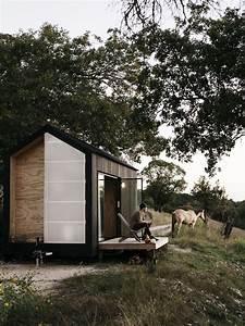 Une Tiny House Design En Bois Noir