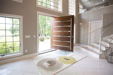 porte d entree bois moderne nous villa principale porte d entr 233 e moderne conception pivot portes en bois avec feux de