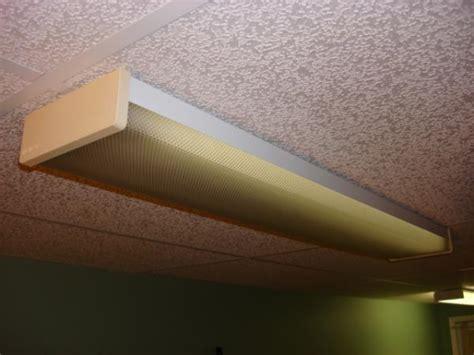 difficult  remove lens  fluorescent fixture