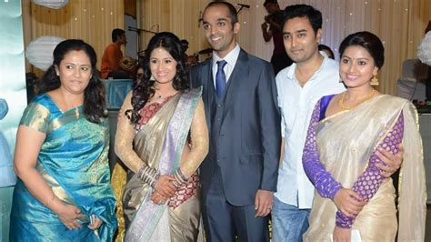 actress lakshmi daughter wedding actress lakshmi ramakrishnan family www pixshark