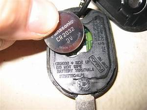 Ford-Mustang-Key-Fob-Battery-Replacement-Guide-007