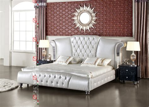 King Size Leather Bed With Tv In Footboard / Modern