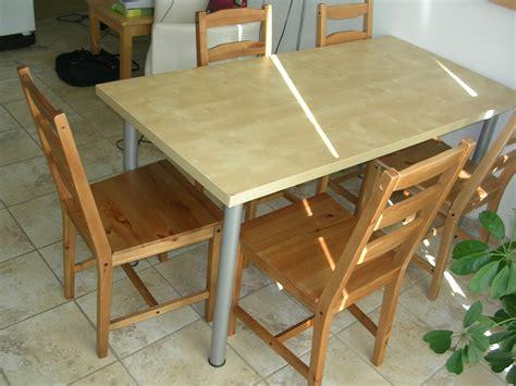 Belle Table En Bois Ikéa Pour Cuisine Ou Bureau