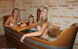 Hot Tub Deutschland : the chodova hotel spa where guests soak in baths filled with beer for their skin daily mail online ~ Sanjose-hotels-ca.com Haus und Dekorationen