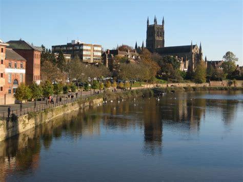 worcester cathedral   river severn  philip halling