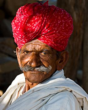 turbans costume  rajasthani men