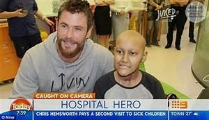 Chris Hemsworth pays second visit to Brisbane children's ...