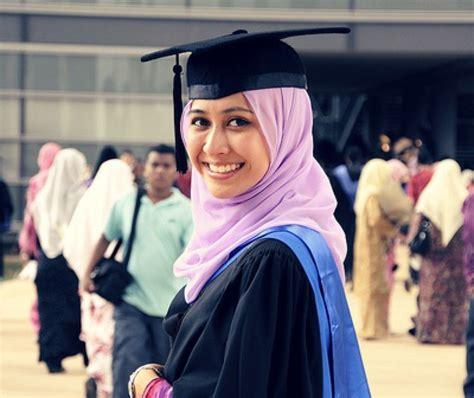 wear  graduation  muslim girl hijab style