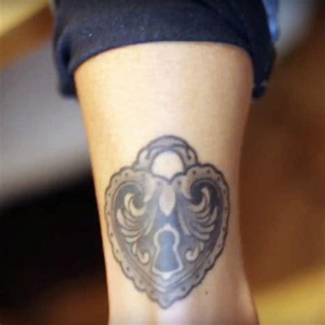 samantha maria lock ankle tattoo steal  style