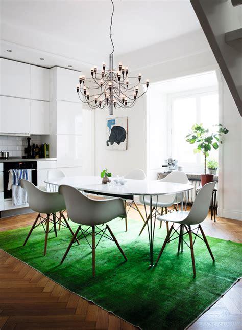 hemma hos inred med designklassiker pa ett nytt saett