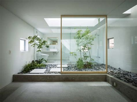 homes with inner courtyards courtyards
