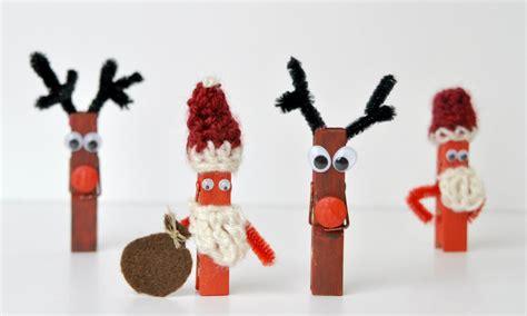 basteln mit holzklammern weihnachtsbasteln diy elch und weihnachtsmann mit holzklammern verflixter alltag der