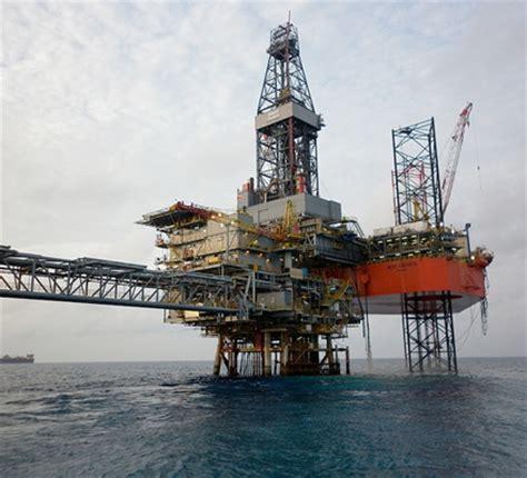 Batam miliki pusat pelatihan pengelasan industri migas pertama di indonesia. Oil and Gas News: Countdown to First Gas at Gajah Baru