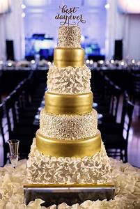 Lighting Wedding Sparklers New Year 39 S Black And Gold Wedding Every Last Detail