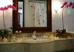 decorating ideas for the bathroom a more creative bathroom simple bathroom decor ideas