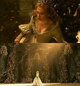Costume La Belle Et La Bête : helena dreams of being in the dragon 39 s nest and failing to kill keena her children pull at her ~ Mglfilm.com Idées de Décoration