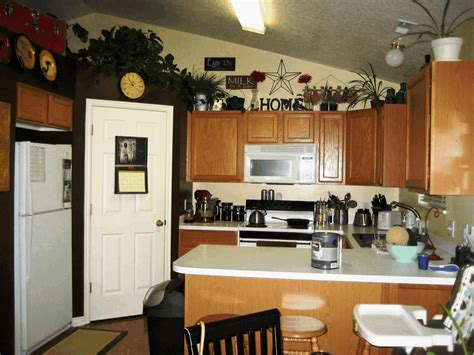 greenery above kitchen cabinets decorating ideas for greenery above kitchen cabinets 3 4049