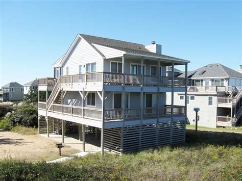 outer banks 12 bedroom vacation rental oceanfront outer banks rentals sanderling rentals lazy