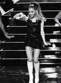 Ariana Grande Live Problem