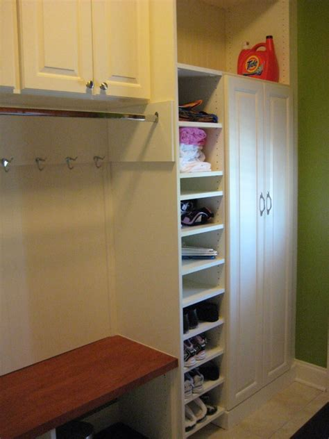 Best 25  Narrow laundry rooms ideas on Pinterest   Laundry