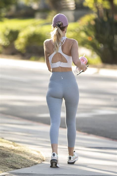 HAYLEY ROBERTS in Tights Out and About in Calabasas 11/03/2020 - Сelebs of World
