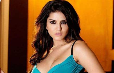Photos Sex कॉमेडी मस्तीजादे के बारे में सनी लियोनी ने