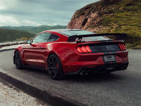 ford debuts 2020 shelby gt500 2020 ford shelby gt500 debuts in detroit auto show