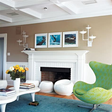 Colorful And Dynamic Beach House Interior Design
