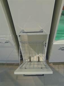 Badezimmer Hochschrank Mit Wäscheklappe : schrank mit w schekippe qm22 hitoiro ~ Bigdaddyawards.com Haus und Dekorationen
