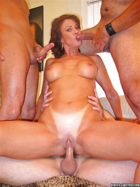 Mature Mom With Big Tits Jillian Foxxx Enjoys Great
