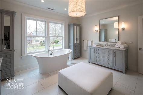 bathtub  tall freestanding gray mirrored linen