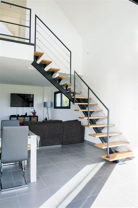 escalier en m 233 tal limon central et rambarde acier