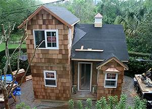 The fanciest playhouse in river oaks swamplot for 2 story dog house for sale