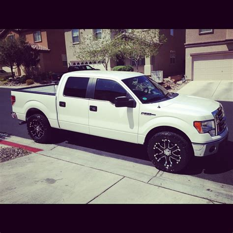 white truck black wheels page  ford  forum