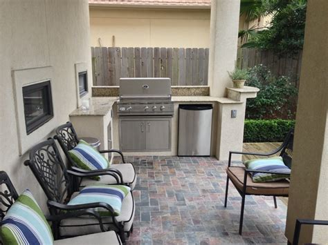 small outdoor kitchen  huge style