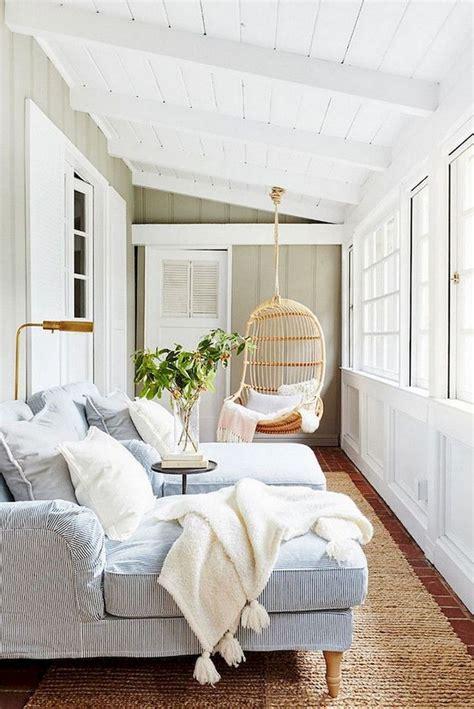 comfy farmhouse sunroom makeover decor ideas small