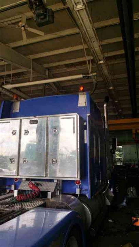 kenworth wl   studio  sleeper semi trucks