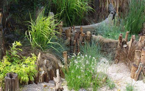 un jardin sur gravier la terre est un jardin