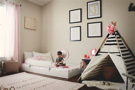 chambre montessori johanna s montessori style big bedroom coastal