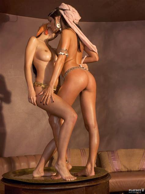 superhot babes naked