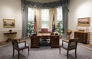 File:Bush Library Oval Office Replica jpg - Wikipedia