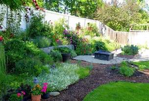Gravel and Mulch Landscaping Ideas