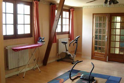 chambre des anciens propriétaires photo 7 11 la frise a été conservée mais repeinte en