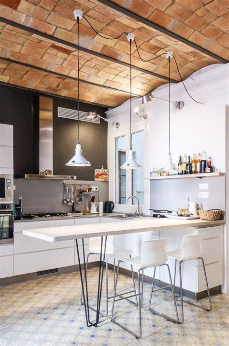 remodelled apartment  barcelona  brick barrel vault