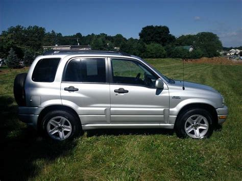 buy used 03 suzuki grand vitara 4x4 clean low